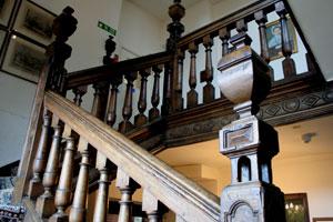 scole_inn_stairs