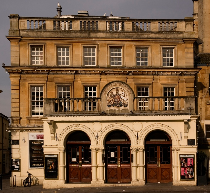 Theatre Royal, Bath   By MichaelMaggs (Own work) [CC BY-SA 2.5 (http://creativecommons.org/licenses/by-sa/2.5)], via Wikimedia Commons