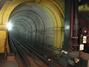 2005 Thames Tunnel from Wapping
