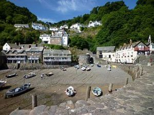 320px-Clovelly_-_Harbour02