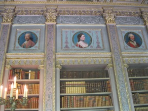 librarybooks&portraits